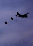 Fallschirmspringer auf der Ginkeler Heide