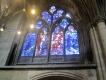 Einige Kirchenfenster wurden von Marc Chagall entworfen und eingebaut.