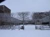 Der Schulhof im Winter