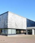 08-Hauptgebaeude-und-Schulhof